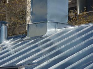 Крыша из жести