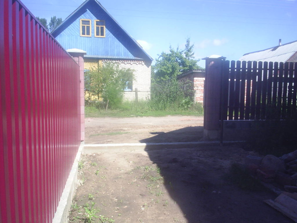 забор из металлопрофиля под ключ